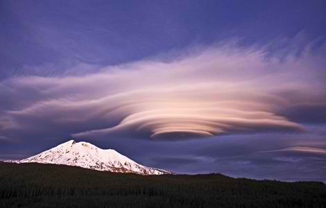 https://jtinamac.files.wordpress.com/2012/09/mid-clouds-2-altocumulus-lenticular_13960_600x450.jpg